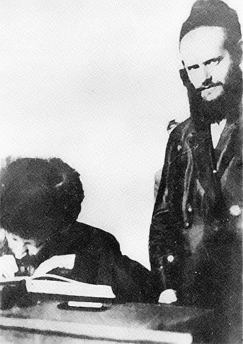 Abraham Kook and his son, Zvi Yehuda.